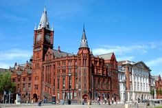 One of 3 existing Liverpool universities and one the 6 original redbrick civis universities is The University of Liverpool #Liverpool #architecture #historic