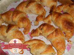 Apple croissants / glykesdiadromes.wordpress.com Croissants, Dairy, Bread, Apple, Cheese, Wordpress, Food, Apple Fruit, Crescents