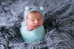 Newborn, newbornposing, love, pink, baby, newborn posing, newborn posing ideas, tutorial