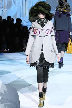 Marc Jacobs Fall 2012 Ready-to-Wear Fashion Show - Thairine Garcia