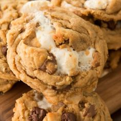 Peanut Butter Chip Cookies, Chip Cookie Recipe, Reeses Peanut Butter, Chips Recipe, Best Cookie Recipes, Sweet Recipes, Marshmallow Cookies, Easy Desserts, Sweet Treats
