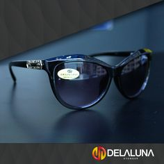 Lindos de qualquer jeito e em qualquer cor, os nossos óculos são uma carta na manga em qualquer situação. Passe em uma de nossas lojas para conferir o que temos para você!