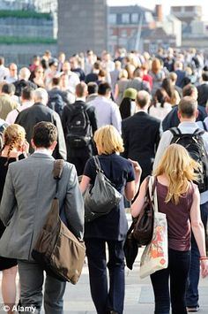 Commuters Who Get The Bus Or Train To Work Are Slimmer, Says Study - http://naijainsiderr.com/health/commuters-who-get-the-bus-or-train-to-work-are-slimmer-says-study/