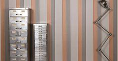 Die Tapete Palladio fasziniert mit ihrem simplen und dennoch aufgregenden Streifen-Design.