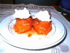 Κυδώνια ψητά! Είναι η εποχή τους, ψητά, γλυκό στο ρεντέ, μαρμελάδα, μπελτέ. Υλικά: 4-5 κυδώνια 3 φλυτζ. ζάχαρι 2 φλυτζ. νερό γα... Greek Recipes, Kitchen Hacks, Tandoori Chicken, Pudding, Herbs, Sweets, Cooking, Breakfast, Ethnic Recipes