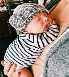 Squishy baby faces and all the soft things Newborn Pictures, Newborn Pics, Baby Faces, Cool Baby Stuff, Handmade Baby, Cute Designs, Cute Babies, Kids Outfits, Baby Goods