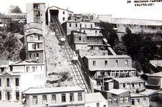 Ascensor cerro Panteón (cerrado en 1952), Valparaíso. Imagen de la Galería de la CChC