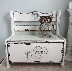 Pine bench makeover - I gave this outdated pine bench a little frenchy makeover! You can find the full post on my blog: http://createinspireme.blogspot.com/2013…