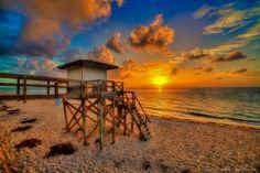 lananta beach photos   Lantana Beach Sunrise Over Lifeguard Tower