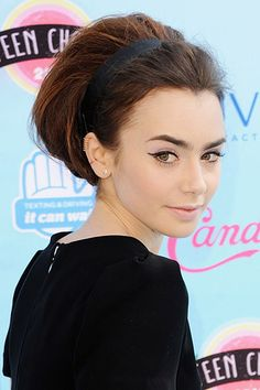 9 Hot Makeup Looks for Fall 2013 - Lily Collins. I like how her hair looks in the back. Holiday Hairstyles, Teen Hairstyles, Trending Hairstyles, Party Hairstyles, Celebrity Hairstyles, Vintage Hairstyles, Lily Collins Eyebrows, Lily Collins Hair, Hair Styles 2014