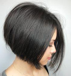 Straight One Length A-Line Bob Line Bob Haircut, Lob Haircut, A Line Bobs, Chin Length Hair, Short Haircut Styles, Bob Hairstyles For Fine Hair, Short Hair Cuts, Medium Hair Styles, Foto E Video
