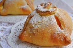 Ez a recept a királynők asztalára teremtetett: alma túrós tésztában, mesés finomság!