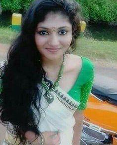 Girl Photo Poses, Girl Photos, White Sari, Indian Jewellery Design, Malayalam Actress, Beautiful Saree, Woman Crush, Indian Beauty, Israel