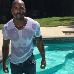 Pin for Later: The Hottest Male Personal Trainers to Follow on Instagram Dolvett Quince
