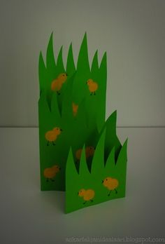 Idealaari on tarkoitettu inspiraatioksi kaikille askartelusta kiinnostuneille. Sivun malleja voi hyödyntää koulussa tai kotona askarrellessa. Easter Art, Easter Crafts, Easy Crafts For Kids, Spring Crafts, Art School, Kirigami, Jar, Hands, Easter Activities