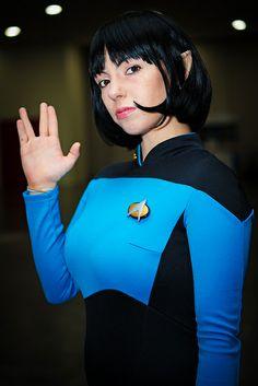 Star Trek: The Next Generation - Vulcan Cosplay Star Trek Rpg, Film Star Trek, Star Wars, Star Trek Cosplay, Star Trek Characters, Star Trek Universe, Super Hero Costumes, Cosplay Girls, Cosplay Costumes