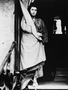 Anna Magnani on the set of Vulcano (1950)