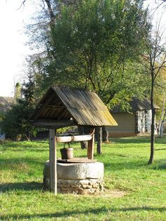 traditional water well - Romania, last bucolic country in Europe. Www.romaniasfriends.com