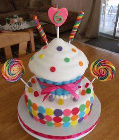 Candy Theme Birthday Cake Bolos Crian Atilde Sect As Bolos Decorados Bolos Torta Candy, Candy Cakes, Cute Cakes, Pretty Cakes, Cupcake Party, Cupcake Cakes, Lollipop Cake, Gateau Harry Potter, Rodjendanske Torte