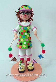 Profesora de infantil disfrazada de payaso.
