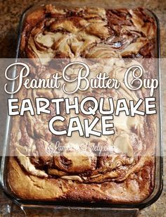 This recipe for Peanut Butter Cup Earthquake Cake is one of the most addictive things I've ever made! The chocolate and peanut butter frosting swirls make it so rich and decadent. This is a must-pin (Peanut Butter Chocolate Cake) Oreo Dessert, Comida Kosher, Earthquake Cake Recipes, Delicious Desserts, Yummy Food, Fast And Easy Desserts, Cup Desserts, Baking Desserts, Health Desserts