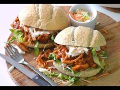 Keep Your Chickens Happy With Homemade Treats – Chicken In The Shadows Chicken Pita, Oven Chicken, Pulled Chicken, Pulled Pork, Slow Cooker Recipes, Cooking Recipes, Healthy Recipes, Chicken Treats, Chicken Recipes