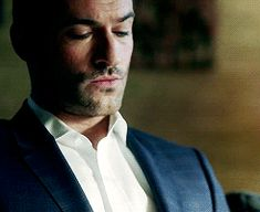 he nails the smouldering look #tomellis #lucifer #lucifermorningstar #luciferonfox