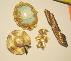 Lot of 4 Brooches gold tone straw hat green by popgoesmyvintage, $20.00