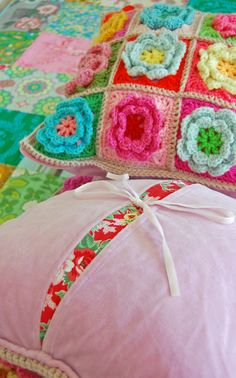 https://flic.kr/p/6hHdSg | crochet pillows (front and back)... | The back and…
