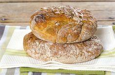 Dette brødet har gått som en farsott rundt i verden de siste årene. Norwegian Food, Norwegian Recipes, Sullivan Street Bakery, Scones, Granola, Side Dishes, Food And Drink, Homemade, Baking