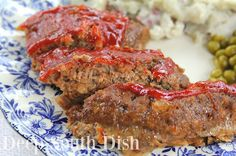 style meatloaf, made with ground chuck, onion and sweet bell pepper and finished with a brown sugar ketchup glaze.Southern style meatloaf, made with ground chuck, onion and sweet bell pepper and finished with a brown sugar ketchup glaze. Southern Meatloaf Recipe, Southern Cooking Recipes, Southern Dishes, Meatloaf Recipes, Meat Recipes, Cooking Blogs, Recipies, Free Recipes, Chicken Recipes
