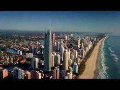 ¡Hoy viajamos a Gold Coast en el estado de Queensland! Tal como el nombre sugiere, Gold Coast es un destino lleno de diversión y entretenimiento, con unas de las mejores playas para hacer surf en Australia!  www.holaaustralia.com Gold Coast, New York Skyline, Surf, Australia, World, Videos, Travel, Entertainment, Destiny