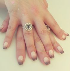 Nude beige ombre nail <3
