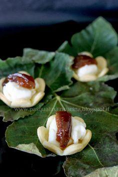 Pasqualina in cucina: Fiori di brisè con stracchino e fichi caramellati al rum