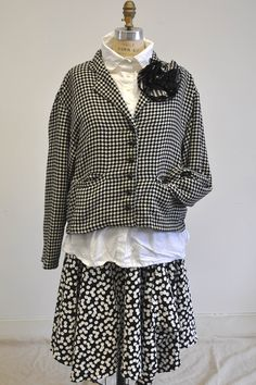 Short Suitcase Jacket in Patterned Wool Blend, Black Small Houndstooth