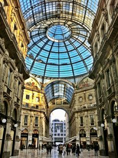 Galleria Vittorio Emanuele, Milan, Italy - Photo by Pablo Gerbasi with an iPhone 4
