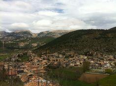 Gósol (Bergadà) visto desde el castillo de esta localidad. Primavera de 2010.
