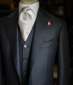Dark navy 3p suit www.bntailor.com