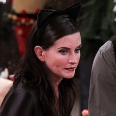 Courteney Cox as Monica Geller Serie Friends, Friends Moments, Friends Tv Show, Just Friends, Friends Forever, Costume Catwoman, Catwoman Comic, Catwoman Makeup, Ross Geller