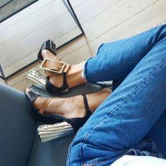 head over heels   LE CATCH