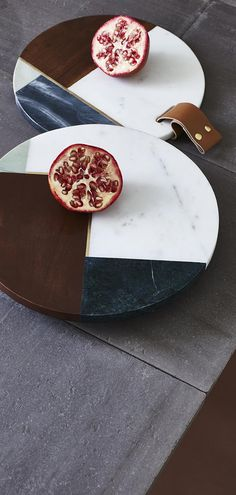 Add an opulent edge to entertaining at home and use the Marble & Wood Lazy Susan to make dinnertime sharing easy.