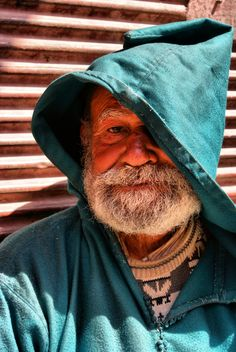 Finding shade in Marrakech #People of #Morocco - Maroc Désert Expérience tours http://www.marocdesertexperience.com