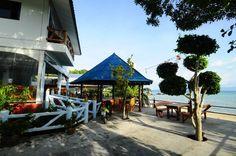 Quiet bungalows on shores of Koh Phangan. Sunsea Resort is located on Ban Kai beach, in the south east part of Koh Phangan.   #beautiful #beachfront #familyfun #holiday #restaurant #resort #kohphangan #thailand