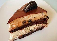 העוגה המושלמת ליום הולדת, כזאת שמפתיעה את כל האורחים! מתכון לעוגת שכבות אוראו מפנקת במיוחד.