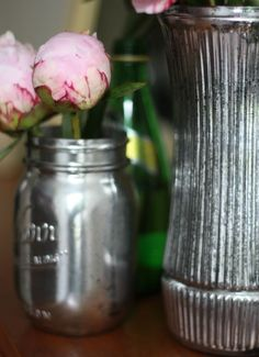 How To: DIY Antiqued Mercury Mirror Glass (spray paint flowers mercury glass) Bottles And Jars, Glass Jars, Mirror Glass, Mason Jar Crafts, Mason Jars, Canning Jars, Fun Crafts, Diy And Crafts, Do It Yourself Home