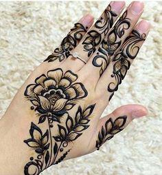 a very nice design of henna Indian Mehndi Designs, Mehndi Designs For Girls, Mehndi Design Images, Henna Tattoo Designs, Henna Tattoos, Mahendi Design, Hand Mehndi, Henna Patterns, Henna Art