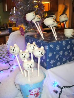 Winter ONEderland - cake pops - polar bears and the snowmen were leaning :)