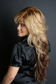 Ombre fans!  How about this reverse ombre?  Lighter roots that gradually transition into darker ends?  (passionhairdesign, via Flickr)