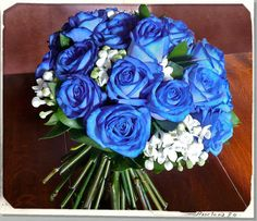 50 Best ideas for flowers boquette wedding blue roses Modern Wedding Flowers, Wedding Hair Flowers, Bridal Flowers, Wedding Bouquets, Wedding Dresses, Blue Rose Bouquet, Blue Roses, Blue Flowers, Silk Flowers