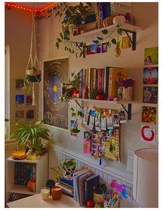 Indie Bedroom, Indie Room Decor, Cute Bedroom Decor, Room Ideas Bedroom, Bedroom Inspo, Nursery Decor, Cool Room Decor, Hipster Room Decor, Study Room Decor